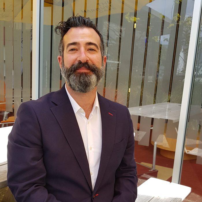 Dr Manuel Navarro